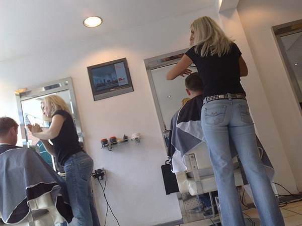 Three Guaranteed Ways To Be The Best Mobile Hairdresser In Town 1